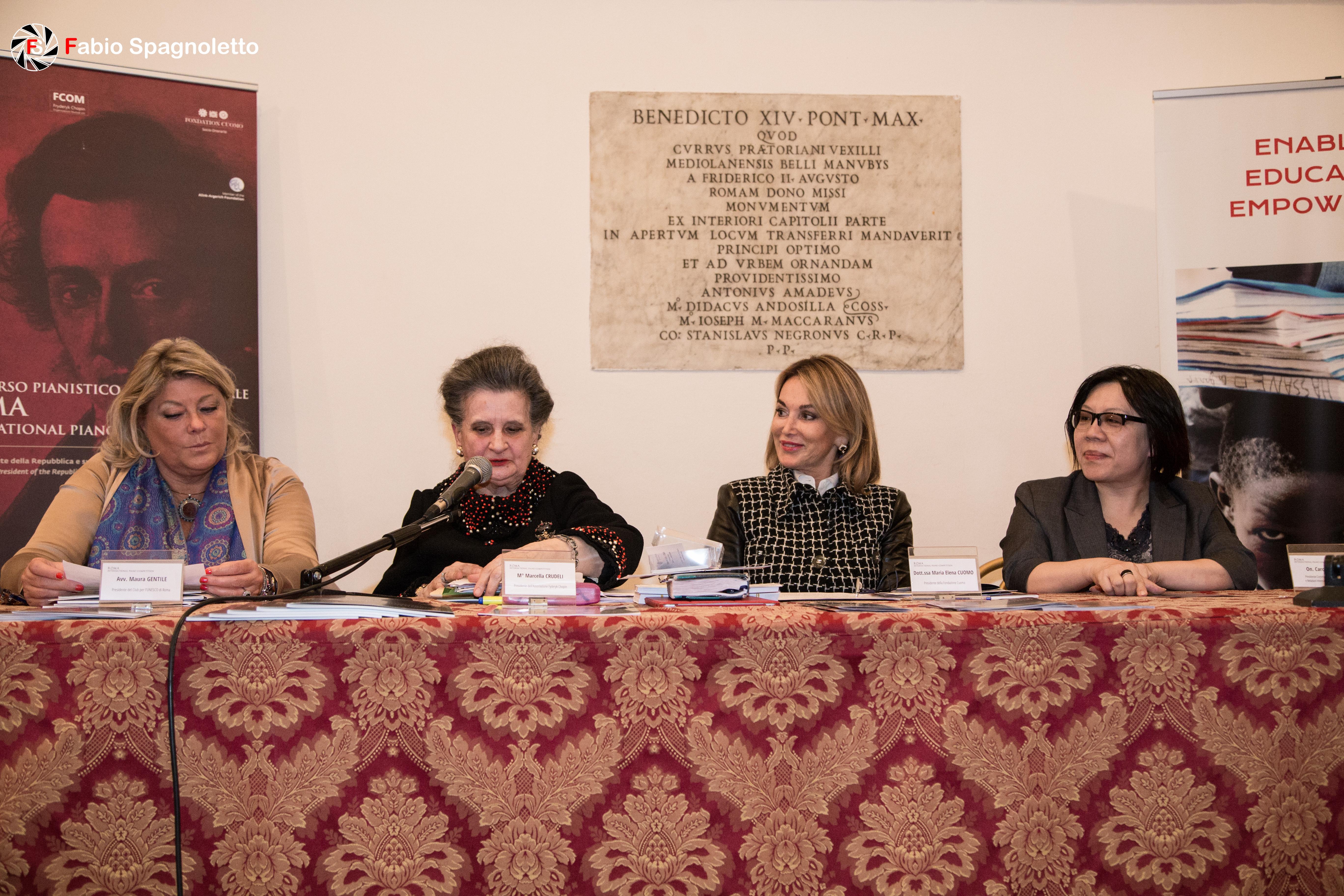 prezzo onesto stile alla moda stati Uniti Maria Teresa Carunchio (ARG) –